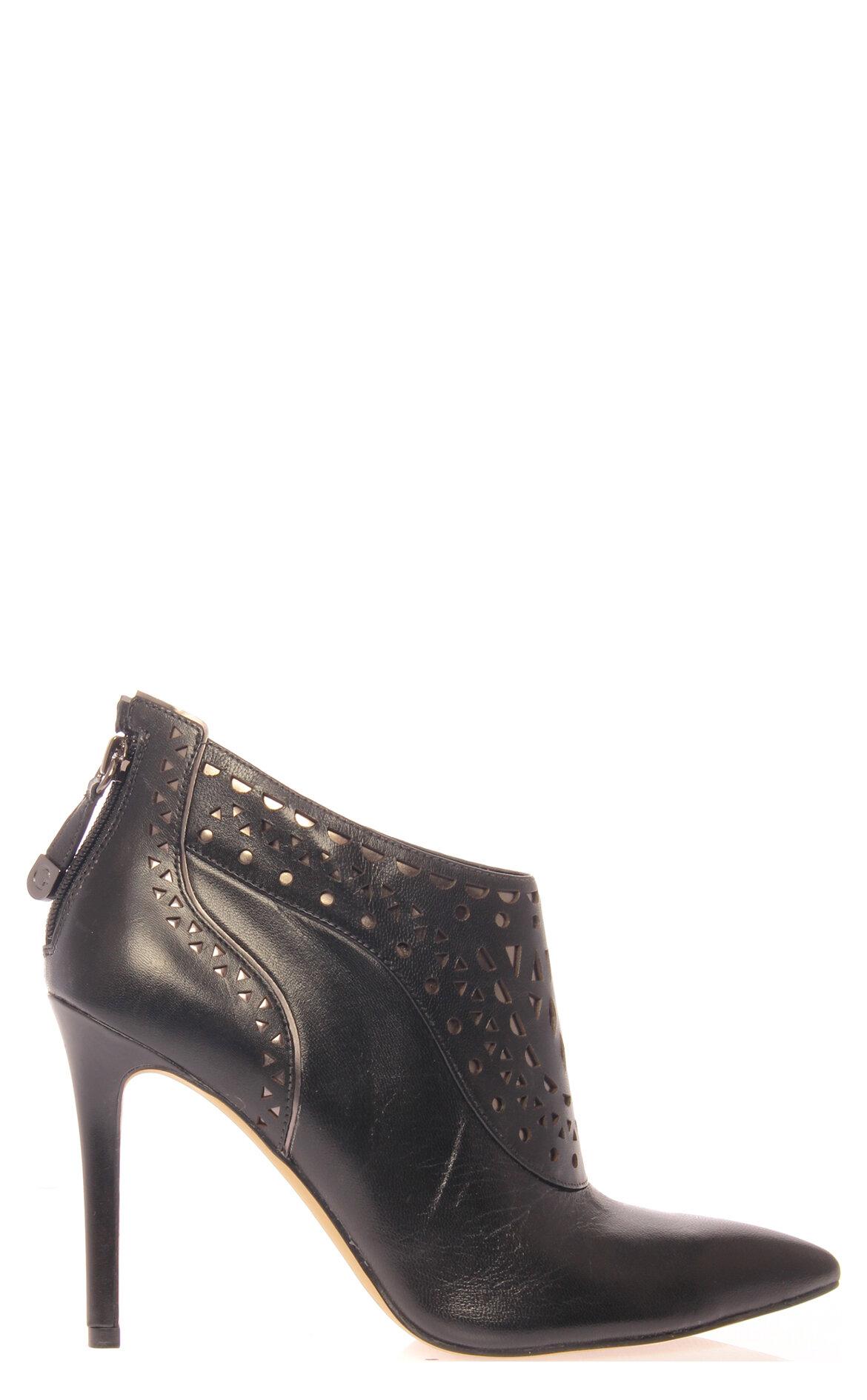 Guess-Guess Ayakkabı