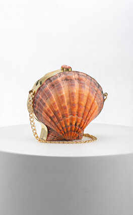 Luya Handcrafts Clam Clutch